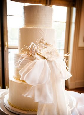 Wedding Cake by DeClare Cakes + Charleston Country Club // Amy-Marie Kay Photography // Charleston SC Wedding Photography