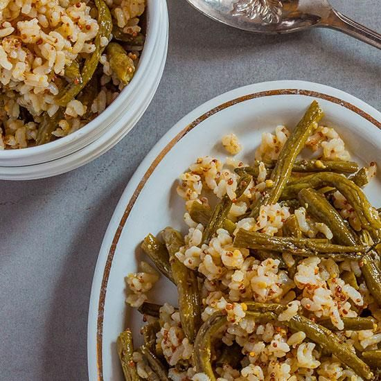 Brown Rice Salad with Roasted Green Beans and Mustard Vinaigrette | This brown rice salad is healthy, delicious, and the beans and dressing can be prepared in advance.