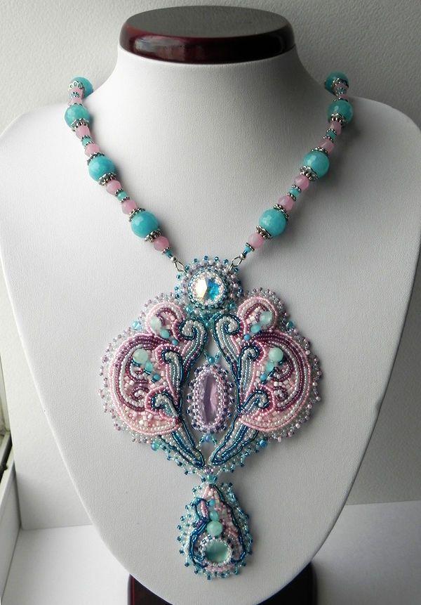 """Купить Колье """"Зефирное сердце"""" - голубой, розовый, белый, нежно-голубой, японский бисер, Сваровски"""