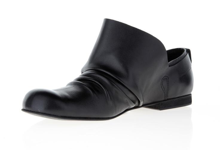 Mens shoe (leather mat)