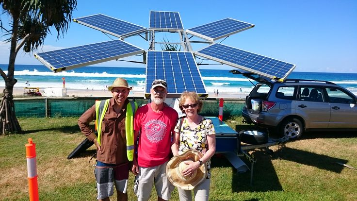 Buskers by the Sea stage – Powered by Southern Cross University Sunflower Solar Sound System. Pictured Dr. Barry Hill (SCU), Greg Howell (event organiser) & Cr. Chris Robbins (City of Gold Coast) at Surfrider Foundation Eco Challenge Gold Coast 2015 event hosted at Tugun SLSC.