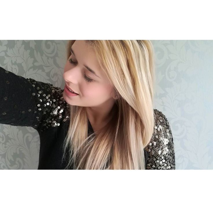 Kto już widział nowego vloga na kanale? Od teraz znajdziecie tam serię o historii mody  #goodvibes  .  .  .  .  ____________________  #polishgirl #polskadziewczyna #blonde #blogerka #moda #smile #cute #selfie #girl #igers #igerspoland #f4f #l4l #lifestyle #lifestyleblogger #fashionblogger #fashionista #jutuber #socialmedia http://ift.tt/2mqP3fk