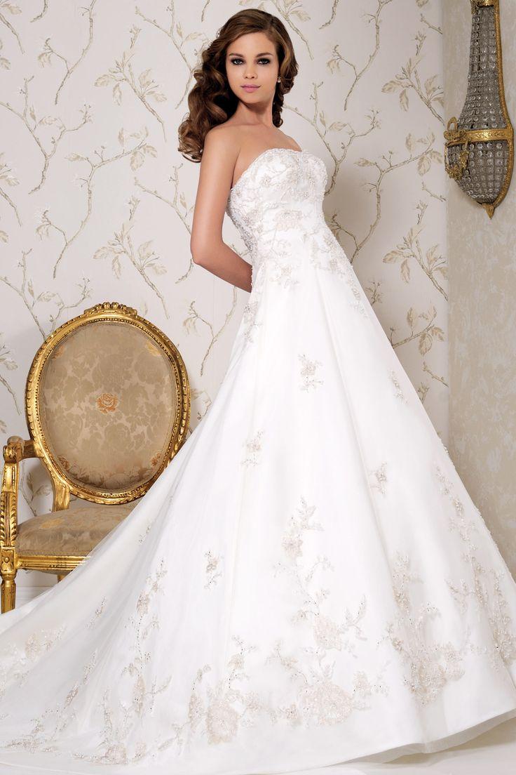 2513 by Benjamin Roberts   Wedding Dresses   www.guidesforbrides.co.uk