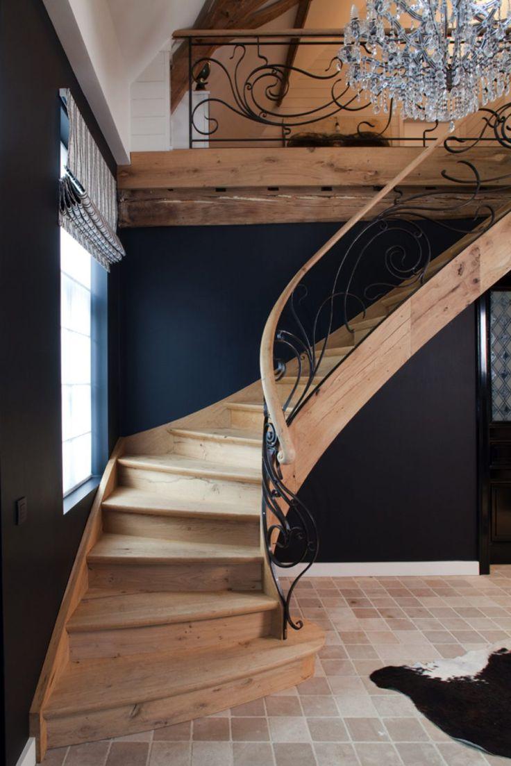 Houten gebogen trap in exclusief design