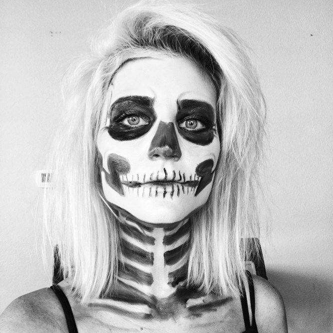 Halloween Makeup Tutorial, Skeleton, Skeleton Makeup, Hallowen makeup, Halloween DIY costume, easy halloween costume, The Nomis Niche, Lindsey Simon, Las Vegas beauty blogger, Las Vegas fashion blogger