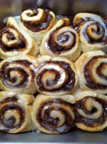 homemade cinnamon rolls! I LOVE this!: Fun Recipe, Cinnamon Rolls Recipe No Yeast, Homemade Cinnamon Rolls, Breakfast Recipe Quick, Cream Cheese, Food, Breads, Easy Cinnamon Rolls, Quick Cinnamon Rolls No Yeast