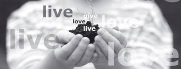 liefdadigheid: hulp aan mensen die het slecht hebben (om je medelijden te laten zien) je goed voor elkaar moet zijn