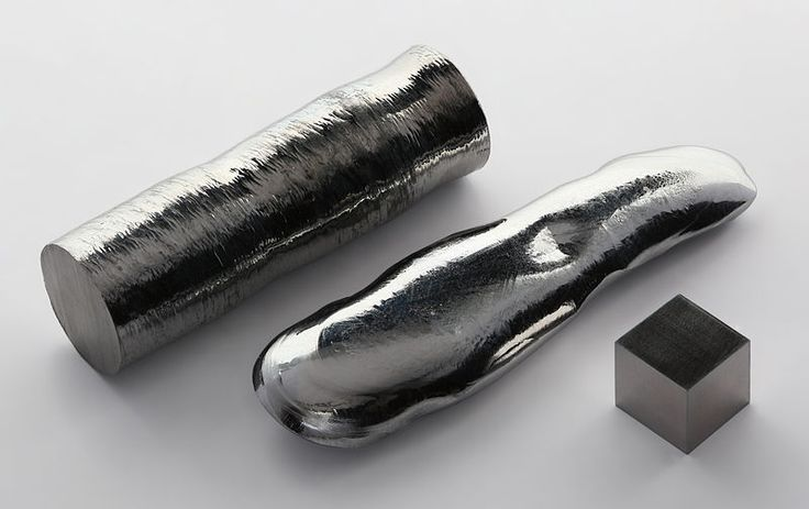Rhenium single crystal bar and 1cm3 cube.  A single crystal of rhenium made by the floating zone process (left), an ebeam remelted rhenium bar (center), as well as a 1 cm3 cube. Rhenium is a silvery-white, heavy transition metal that is one of the rarest elements in the Earth's crust. It was the last stable element to be discovered and is named after the river Rhine in Europe.1Cm3 Cubes, Earth Crusts, Single Crystals, Rivers Rhine, Crystals Bar, Rhenium, Precious Metals, Metals Minerals, Heavy Metals