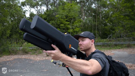 "Here's the anti-drone gun of your Rambo fantasies Read more Technology News Here --> http://digitaltechnologynews.com  The Australian-listed company DroneShield has given the internet a closer look at its new portable anti-drone gun or ""tactical drone jammer."" If you want to look like a real ""Dude"" as you knock pesky drones out of the sky this is it.  Designed as a countermeasure against drones flying where they shouldn't the DroneGun claims it won't smash the unmanned aircraft to the…"