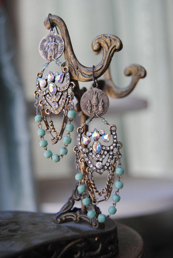 nice earrings...: Beautiful Earrings, Beads Chains, Gemstone Earrings, 1950S Earrings, Assemblages Earrings, Chains Earrings, Chandeliers Earrings, Chandeliersvintag Assemblages, Vintage Assemblages