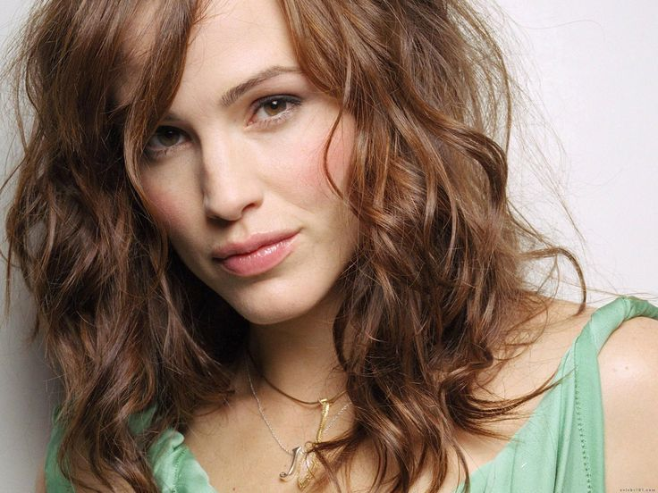 Jennifer Garner - she can do it all - beauty, class, sexy, comedy, drama. She's the perfect mate for Benny boy - I'm rooting for them.