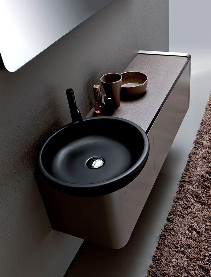 #K08 di #Karol è un #mobilebagno dal #design funzionale ed esteticamente ricercato. Le geometrie rigorose ed innovative sono sviluppare secondo i principi di corrispondenza e simmetria, per regalare al tuo #bagno eleganza e prestigio. www.gasparinionline.it #interiors #bathroom #homedecor #lavabo #ideebagno #bagnoarredo #arredamento