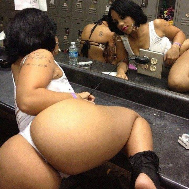 Naked women thick tighs and ass