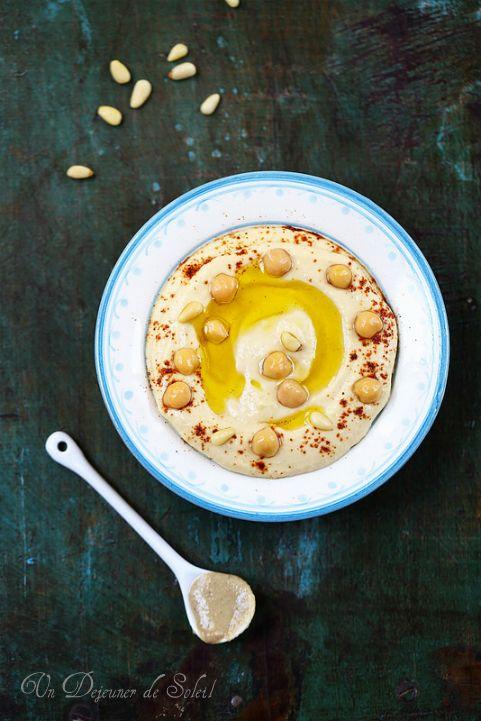 Houmous ou hummus, crème de pois chiches au sésame