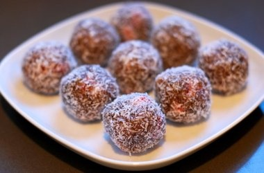 Primal Blueprint Nutty Strawberry Protein Balls — Punchfork