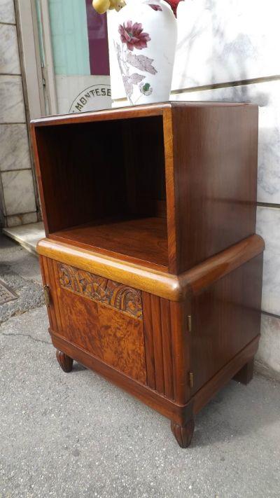 Comò Dèco - La Bottega d'Arte Minerva dal 1943 è al servizio della clientela, con grande esperienza nel restauro del mobile antico. Un'ampia collezione di manifesti [...]