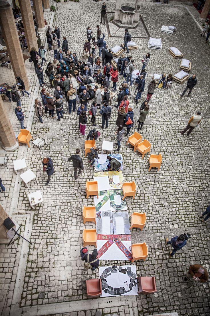 """Panoramica del Chiostro della Rocca Albronoziana di Spoleto durante """"SpreK.O."""", la prima festa della cittadinanza attiva contro gli sprechi, promossa da Cittadinanzattiva dal 2 al 4 maggio 2014"""