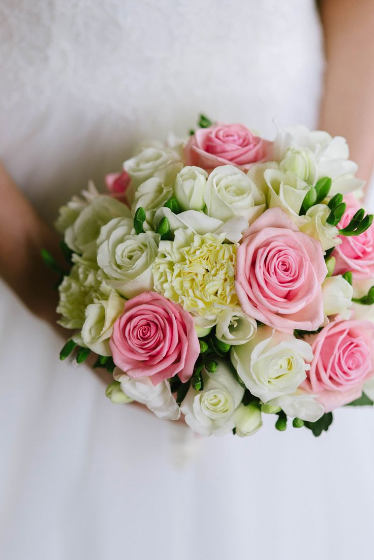 Pastel colored bridal bouquet. Pink and white roses Julia Lillqvist |  | http://julialillqvist.com