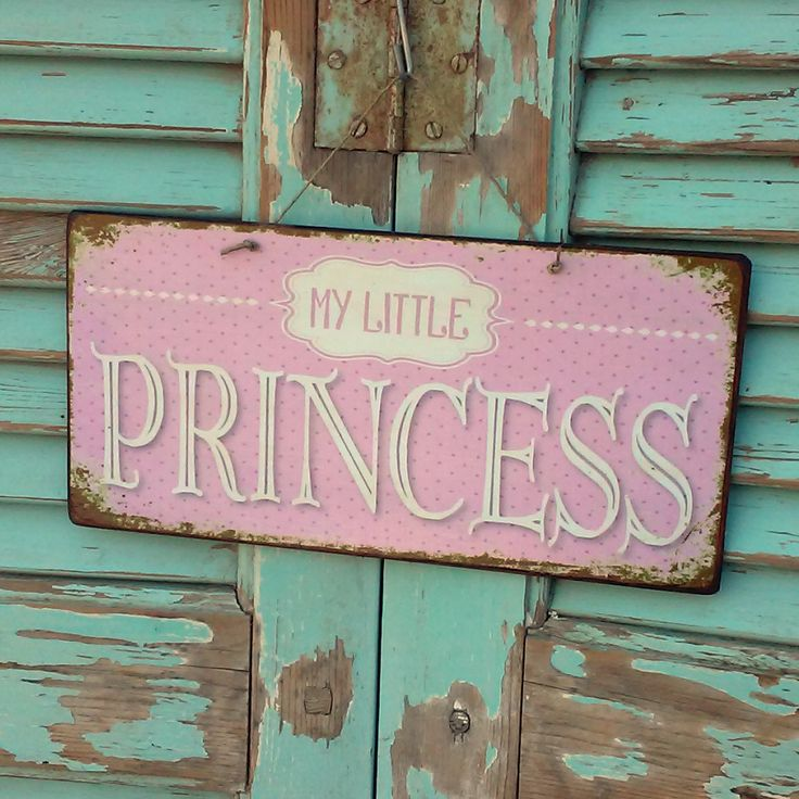 My little princess! Vintage sign made of MDF wood. You can hang it on your wall, door, cupboard or anywhere else. Dimesnions 26x12,7 cm and 0,4 cm thick.