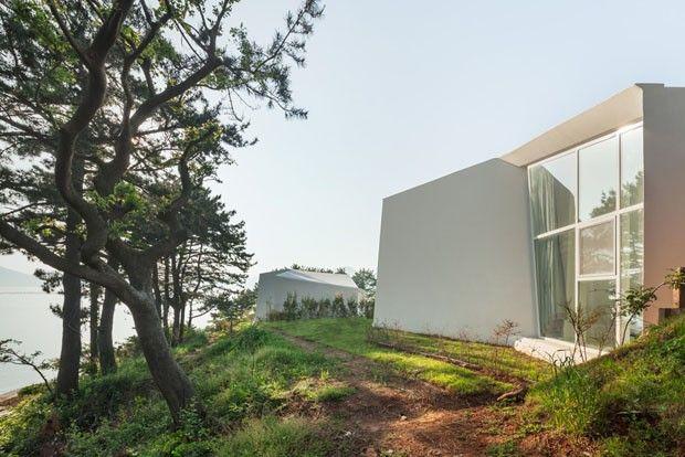 Beleza e privacidade em terreno difícil. Casas ousadas miram o mar na Coréia do Sul