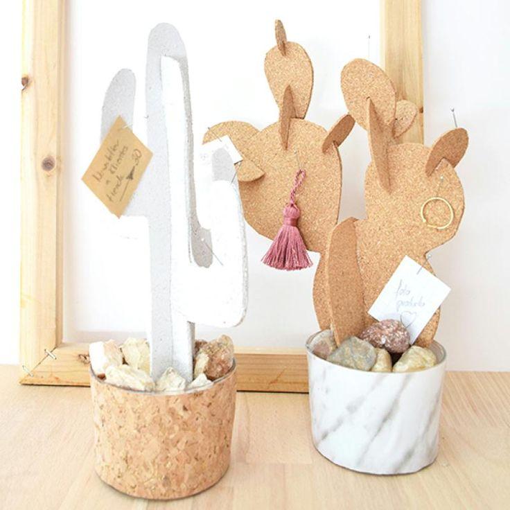 Hoy os presentamos una idea original para regalar en el día de la madre, cuyo material base son las placas de corcho. Aprovechamos para agradecer la colaboración de Fruto samore y esperamos que os guste nuestro DIY.