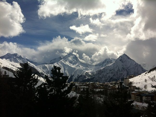 For great ski resorts France 's Southern Alps will amaze you
