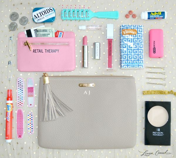 How to Pack the Perfect Clutch for a Night Out {smart tips}