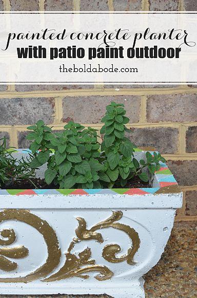 Painted concrete planters patiopaint decoartprojects for Painting concrete pots