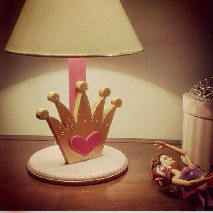 Lampara de noche. Hecha a mano en mdf. Tema princesa. Contacto: @am_shanti (instagram)