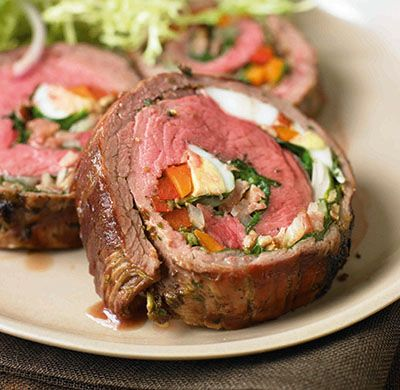Argentine-Stuffed Flank Steak http://food.mamiverse.com/argentine-stuffed-flank-steak-1273/  #mamiverse #foodmami