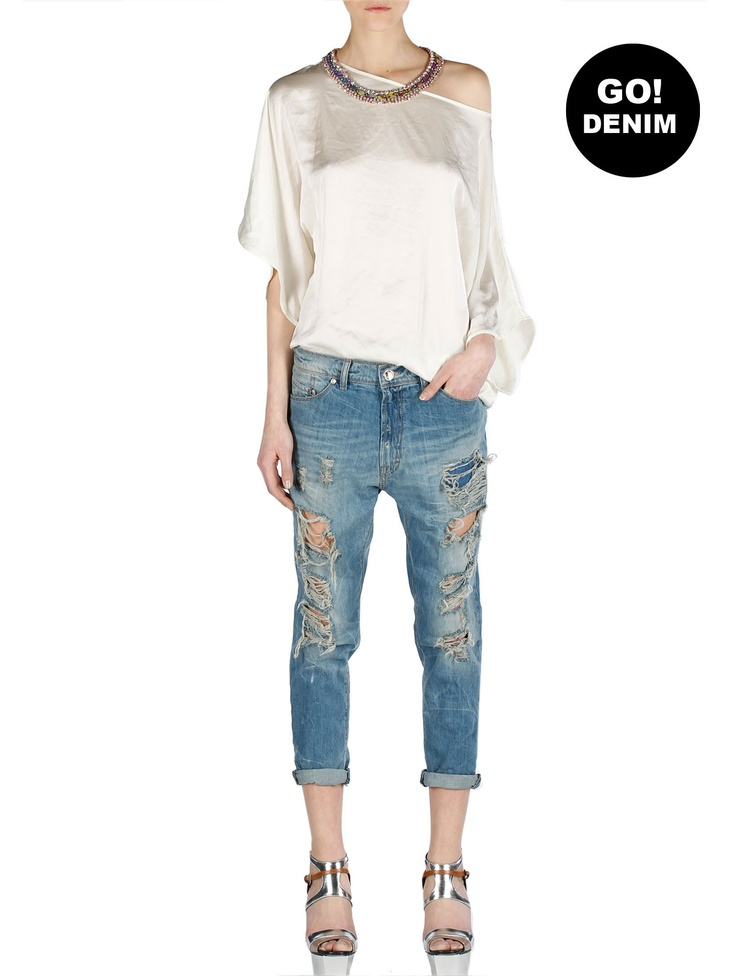 "Just showed up? IMPERIAL #GoDenim and thinks about their ""addicts and lovers"" Distressed Cropped Boy-fit Jeans"