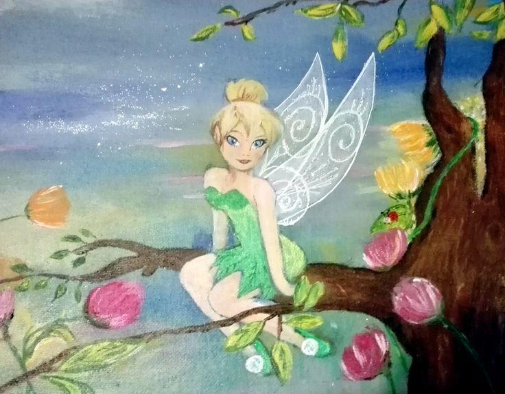 Petite toile 21x30 en coton faite pour un anniversaire. La fée a été copiée à partir d'un dessin en noir et blanc. Le décor autour a été imaginé  au fur et à mesure de la progression du tableau. Peinture acrylique et crayon à paillettes.