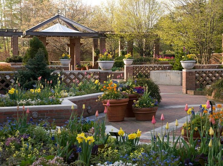 Buehler enabling garden at chicago botanic garden is a for Landscape gardening for small gardens