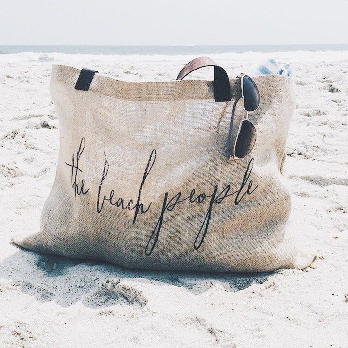 jute bag packed and ready for some fun in the sun #thebeachpeople //via /elainesaal/