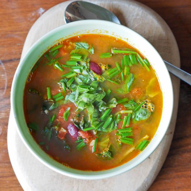 Pesto Soup with Red Beans, Kale and Tomatoes