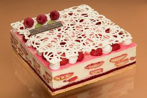 Reprisa cafe|| Pastry and cakes levitation on Behance
