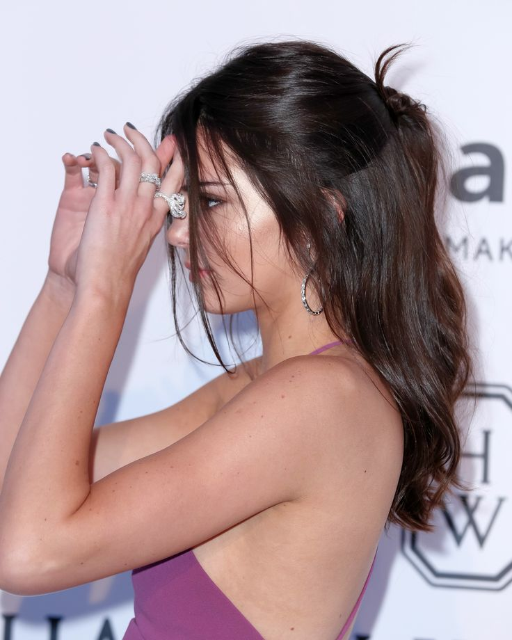 We're crushing on Kendall Jenner's half up/half down pony at Cannes. Gorge relaxed bridal hair idea.