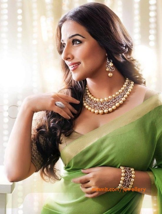 vidya-balan-south-sea-pearls-diamond-necklace and in beautiful light green saree