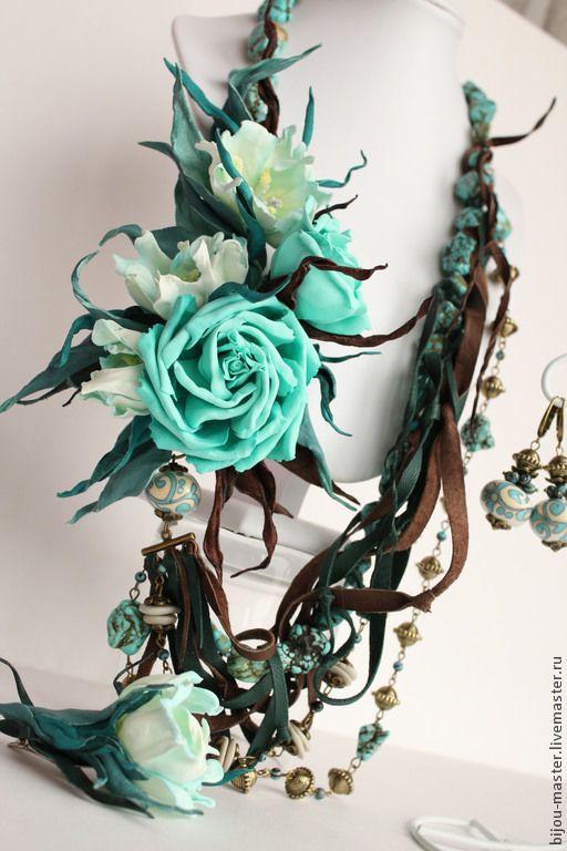 ЛАЗУРНАЯ ЛАГУНА - комплект - бирюзовый,розы,колье с розами,бирюзовое колье