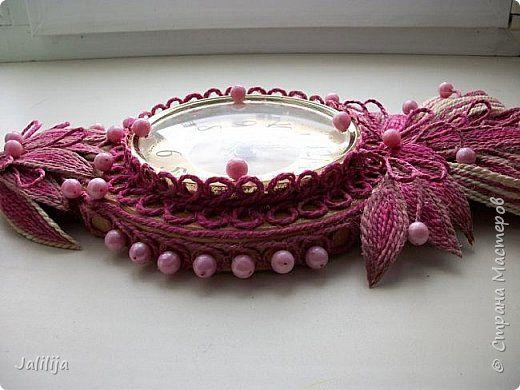 Уважаемые жители и гости Страны мастеров! Эти часы декорированы джутовой верёвкой, которую я предварительно покрасила. Хочу поделиться с вами, как это делается. фото 34