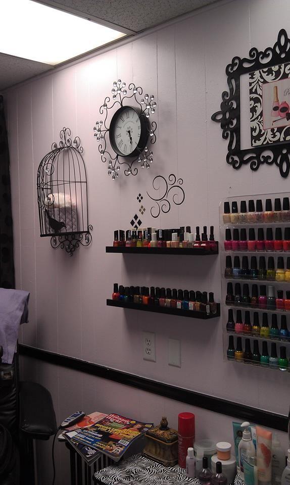 Belle Elan Salon nail room