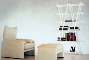 Bookshelves in natural beechwood, Folding frame. The four central shelves are removable by Cassino