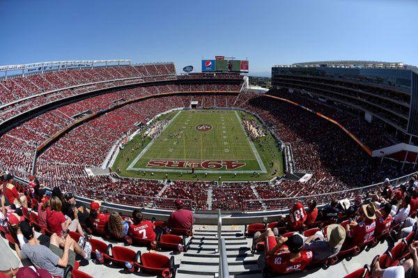 Levi's ha inaugurato, nella Baia di San Francisco, il suo Stadium. Situata a Santa Clara, in California, la struttura di 170mila mq, primo stadio Usa a energia zero, è anche la casa della squadra d...