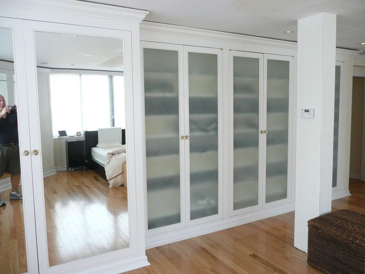 Nyc custom built bedroom walk in reach in closets for Adding a walk in closet