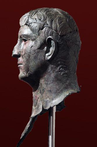 Roman Bronze bust of L. Cornelius Pusio (left profile) | da Roger B. Ulrich