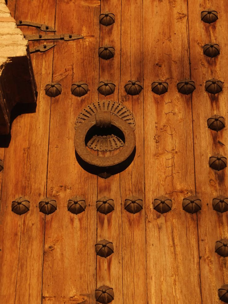 Aldaba típica en la puerta oeste