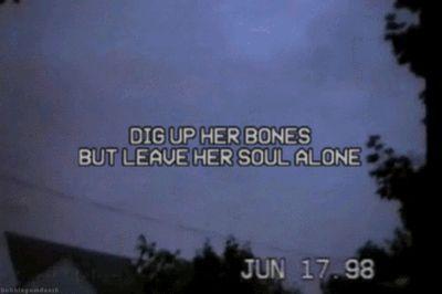 bones by msmr
