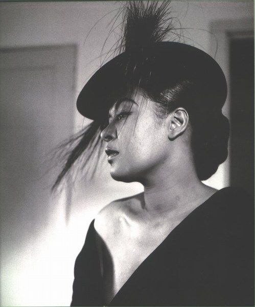 Lady dons a dramatic hat.: Billieholiday, Billy Holidays, Blue, Billie Holiday, Female Singers, Billy Holliday, Lady Day, People, Holidays Photos