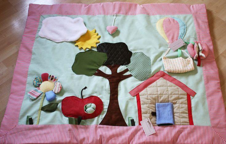 Coperta sensoriale, tappeto palestrina Albero Mela di MaMa's baby Italy  su DaWanda.com