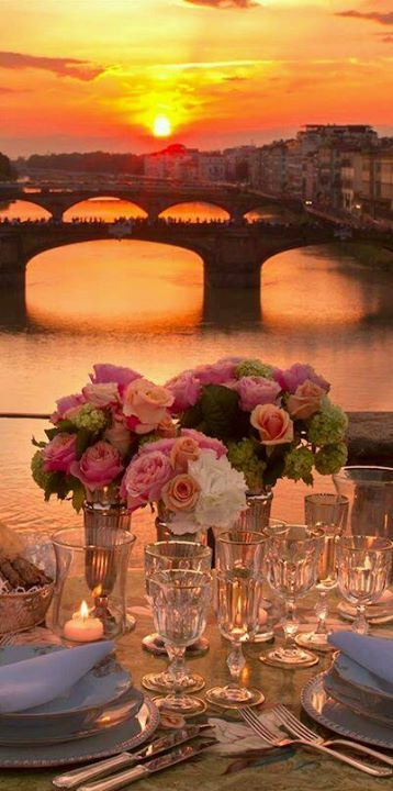 dining alfresco... with a view of Florence